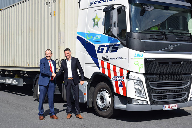 Picanol Uses LNG Trucks for Container Transport