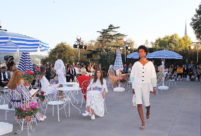 """LENZING™ ECOVERO™ ve Mehtap Elaidi, """"Doğanın Renkleri Kaybolmasın"""" diye Mercedes-Benz Fashion Week Istanbul'da bir arada!"""